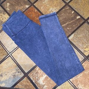 NWOT aerie blue acid wash leggings